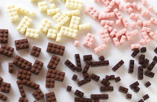 UN JAPONAIS VIENT D'INVENTER DES LEGOS EN CHOCOLAT ! (2/2)