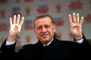 le-premier-ministre-turc-recep-tayyip-erdogan-en-meeting-a_876546